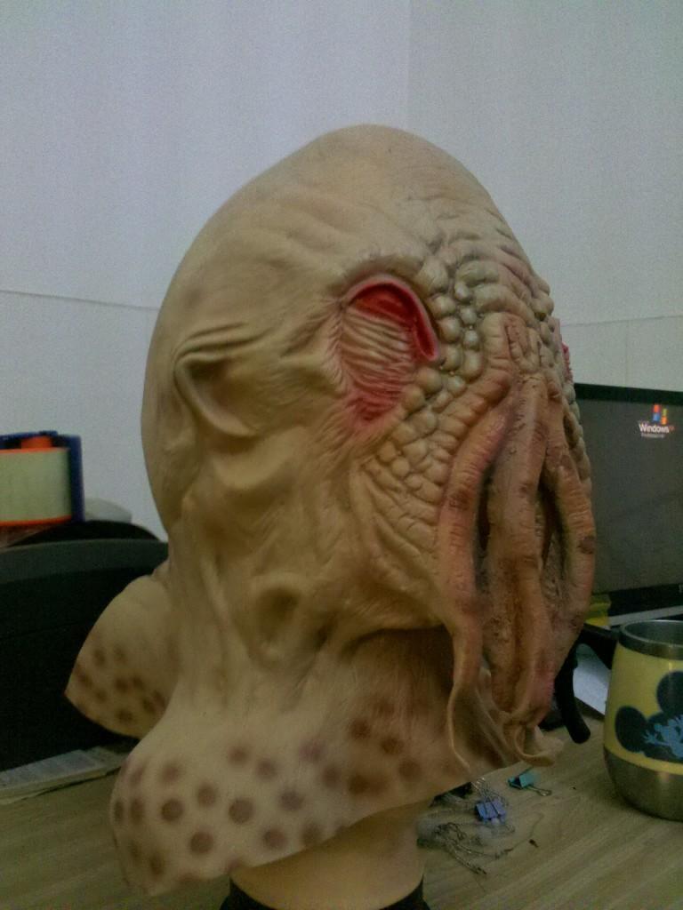 alien fish mask